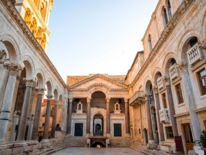 diocletians-palace-was-built-between-the-3rd-and-4th-centuries-b-c-in-the-city-of-split-croatia-the-ruins-of-the-palace-can-still-be-found-throughout-the-city-today